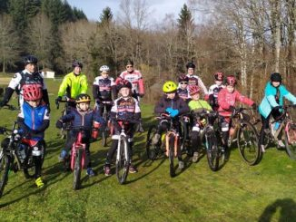 Ecole de vélo séance cyclo-cross à Chénérailles