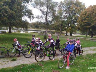 Ecole de vélo cyclo-cross à La Naute Champagnat